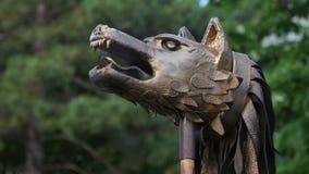 Bandera del draco de Dacians o de la guerra de los dacians como miraba hace 2000 años almacen de metraje de vídeo