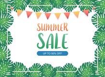 Bandera del fondo de la venta del verano, cintas del empavesado del festival que cuelgan en las hojas de palma exóticas verdes y  Imagen de archivo libre de regalías