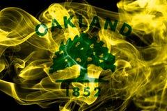 Bandera del humo de la ciudad de Oakland, estado de California, Estados Unidos de Amer Fotografía de archivo libre de regalías