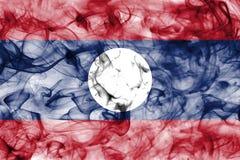 Bandera del humo de Laos aislada en un fondo blanco Imagenes de archivo