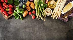 Bandera del panorama de los ingredientes alimentarios de la primavera fresca fotografía de archivo libre de regalías