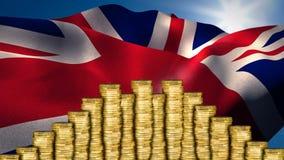 Bandera del Reino Unido detrás del dinero almacen de metraje de vídeo