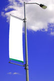 Bandera en blanco de la luz de calle Imágenes de archivo libres de regalías