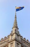Bandera en la abadía de Westminster, Londres Imágenes de archivo libres de regalías