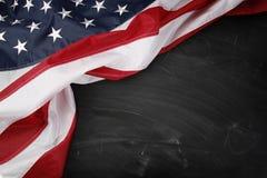 Bandera en la pizarra Fotos de archivo