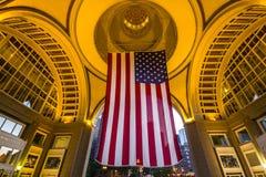 Bandera enorme de los E.E.U.U. en Boston imagen de archivo