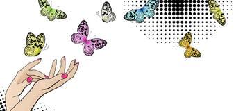 Bandera horizontal con las manos femeninas y las mariposas brillantes fotografía de archivo libre de regalías