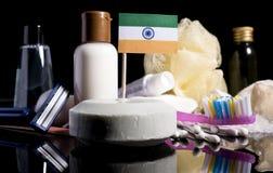 Bandera india en el jabón con todos los productos para la gente Imágenes de archivo libres de regalías