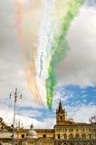 Bandera italiana en el cielo sobre Roma Imágenes de archivo libres de regalías