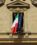 Bandera italiana y bandera de la UE Fotografía de archivo