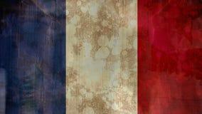Bandera manchada francesa con la gente que camina en la calle almacen de video