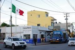 Bandera mexicana en Cabo San Lucas Imagenes de archivo