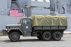 Bandera militar de los E.E.U.U. del camión imagen de archivo libre de regalías