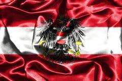 Bandera nacional austríaca con el escudo de armas Fotos de archivo