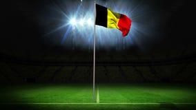 Bandera nacional de Bélgica que agita en asta de bandera stock de ilustración