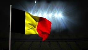 Bandera nacional de Bélgica que agita en asta de bandera ilustración del vector