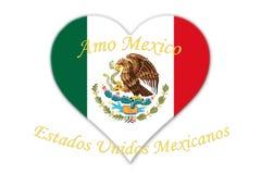 Bandera nacional mexicana con la forma de Eagle Coat Of Arms In del corazón Foto de archivo libre de regalías