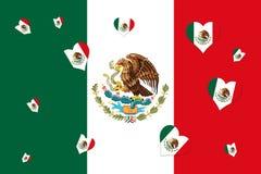Bandera nacional mexicana con la forma de Eagle Coat Of Arms In del corazón Imagenes de archivo