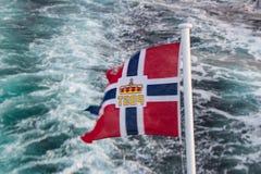 Bandera noruega de los posts imágenes de archivo libres de regalías