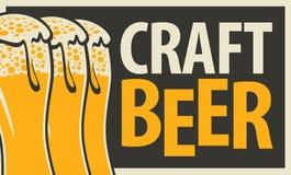 bandera para la cerveza del arte con tres vidrios de cerveza libre illustration