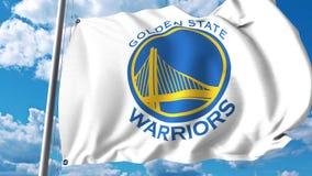 Bandera que agita con el logotipo profesional del equipo de los guerreros del Golden State Representación editorial 3D Imagen de archivo libre de regalías