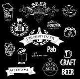 Banderas blancas de las ilustraciones del vector de la tiza para la barra de la cerveza stock de ilustración
