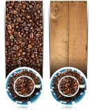 Banderas con los granos y la taza asados de café Imagenes de archivo