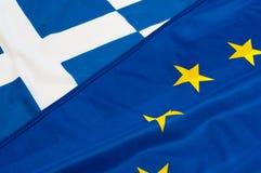 Banderas de la UE y de Grecia Imágenes de archivo libres de regalías