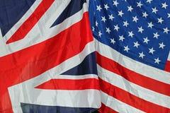 Banderas de Reino Unido y de los E.E.U.U. Imágenes de archivo libres de regalías