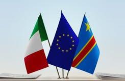 Banderas de UE y del Manual del Transportista de República Democrática del Congo, DROC, Congo-Kinshasa de Italia fotos de archivo libres de regalías