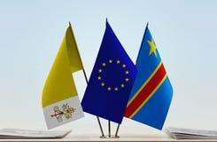 Banderas de UE y del Manual del Transportista de República Democrática del Congo, DROC, Congo-Kinshasa de la Ciudad del Vaticano imágenes de archivo libres de regalías