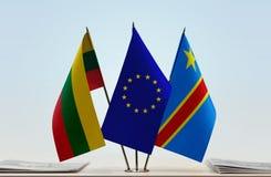 Banderas de UE y del Manual del Transportista de República Democrática del Congo, DROC, Congo-Kinshasa de Lituania fotos de archivo