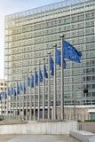 Banderas de unión europea delante del Berlaymont Imágenes de archivo libres de regalías