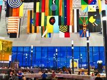 Banderas del adorno de Boriginal, Sydney Airport, Australia foto de archivo