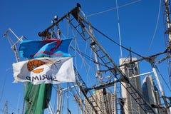 Banderas del barco de Shrimping Imagen de archivo libre de regalías