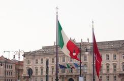 Banderas del italiano y de Trieste Imágenes de archivo libres de regalías