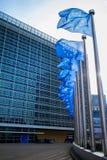 Banderas europeas delante del edificio de Berlaymont Imagen de archivo
