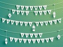 Banderas festivas del empavesado con saludos Saludos de Ramadan Fotografía de archivo libre de regalías