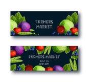 Banderas fijadas con la col, guisantes, tomate, manzana, arándano, texto del mercado de los granjeros en fondo negro stock de ilustración
