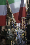 Banderas italianas en Nápoles, Italia Fotos de archivo libres de regalías