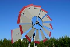Banderuola del mulino a vento il giorno di estate Fotografia Stock