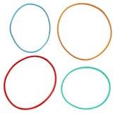 Bandes élastiques élastiques colorées d'isolement sur un fond blanc Image libre de droits