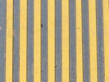 Bandes concrètes jaunes et grises Photos stock
