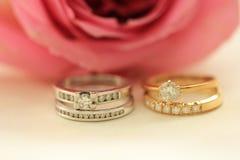 Bandes de noces de diamant Photos stock