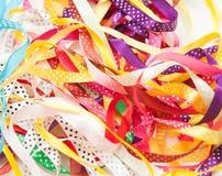 Bandes multicolores de cadeau Images libres de droits