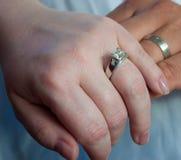 bandet hands bröllop Royaltyfri Bild