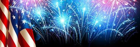 Bandiera americana con i fuochi d'artificio Vettore Fotografia Stock