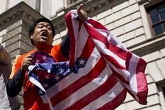 Bandiera americana d'ondeggiamento spettatore Immagini Stock Libere da Diritti