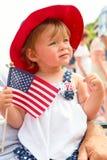 Bandiera americana della holding della bambina Fotografia Stock Libera da Diritti