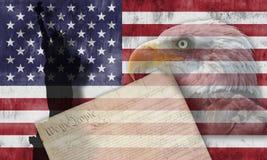 Bandiera americana e simboli patriottici Immagini Stock